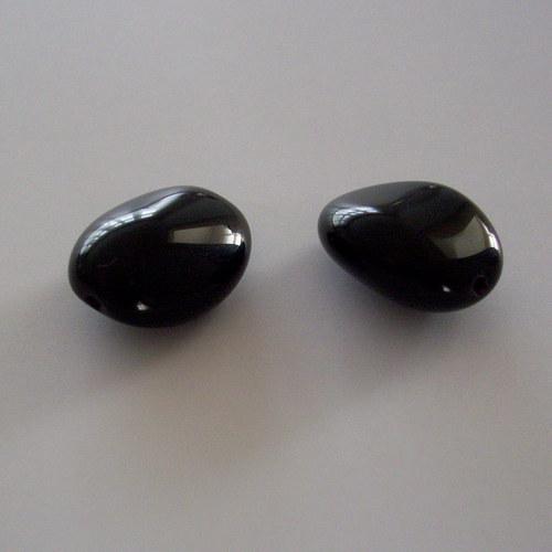 Mačkaná tvarovka - černá