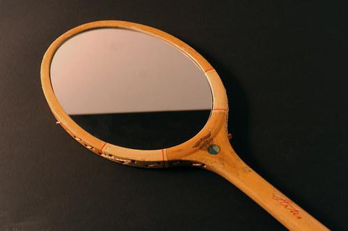 Zrcadlo z tenisové rakety