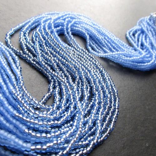 Náhrdelník korálkovkáč světle modrý