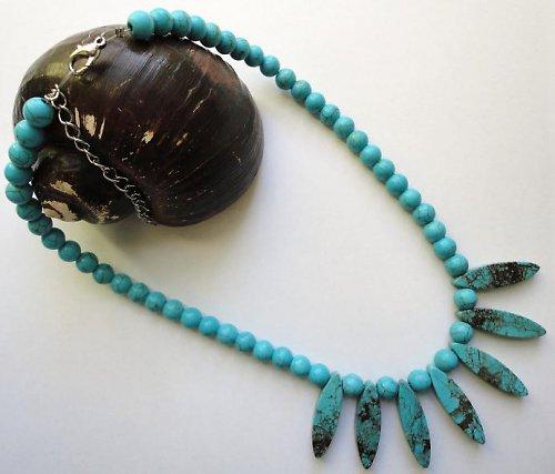 Elegantní náhrdelník z minerálu tyrkys