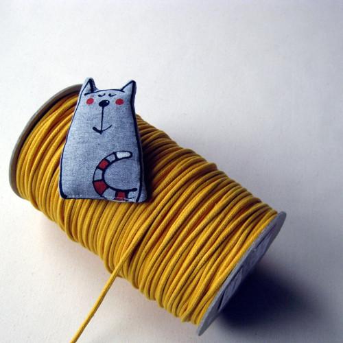 Textilní brož - NA CÍVCE