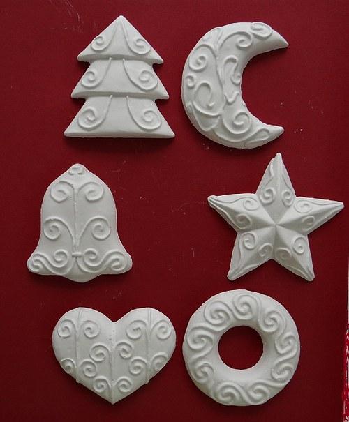 Sádrová dekorace vánoční ozdoba, stromeček, zvonek