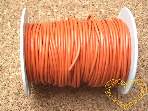 Šňůra koženková oranžová - Ø 2 mm