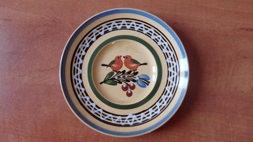 Ručně malovaný talířek s ptáčky na zavěšení
