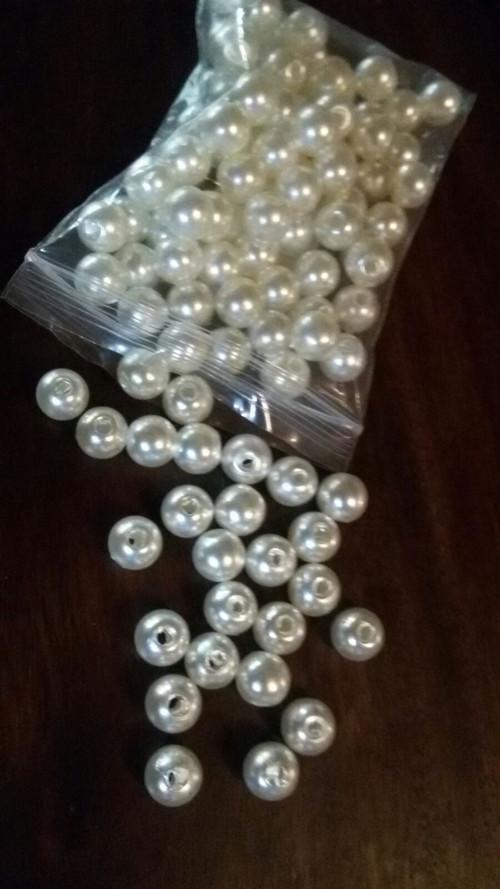 Plastové korálky velikost 8 mm (25 ks v balení)