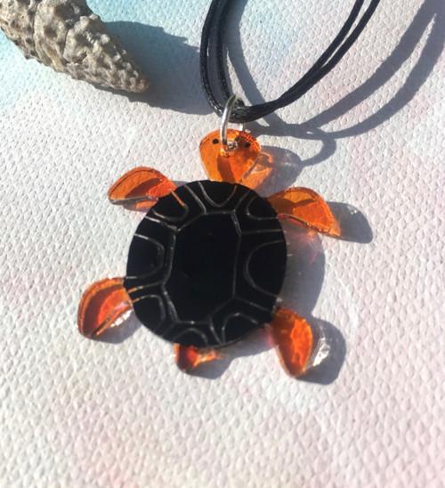 Plexisklo - přívěsek - želva