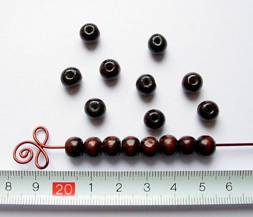 Dřevěné kuličky tmavě hnědé, průměr 8 mm, 50 ks