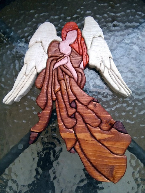 Anděl - skládaná intarzie na zeď