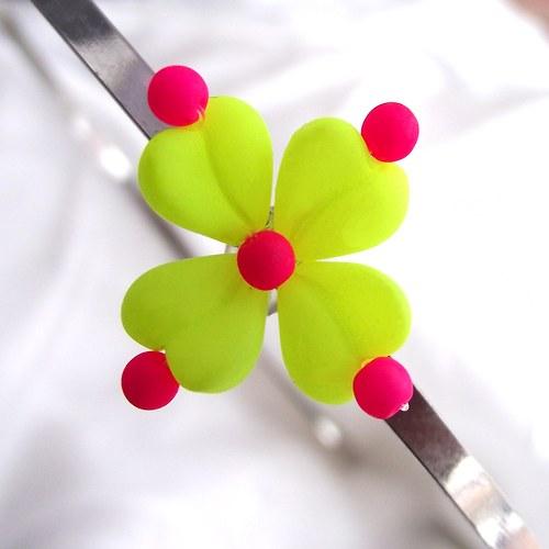 Neon čtyřlístek do vlasů