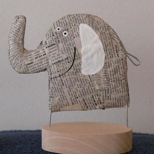 Slon novinový
