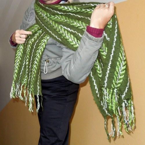 Šála zelenobílá s třásněmi - ručně tkaná