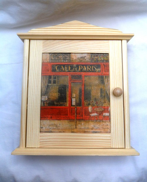 Skříňka Cafe de Paris
