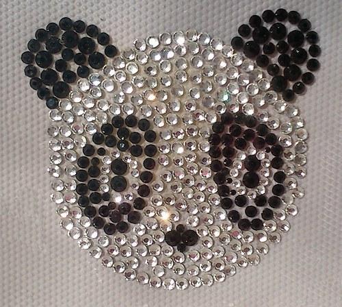 Pandička- Štrasový nažehlovací motiv, kamínky
