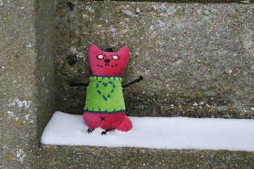 Přívěšek kočička růžová v mikině