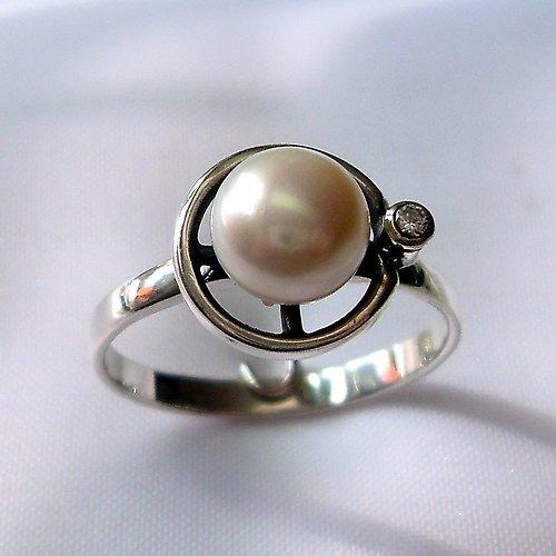 Prsten «Afrodita» - přírodní perla, stříbro