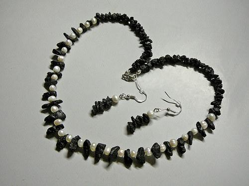 Lávový náhrdelník
