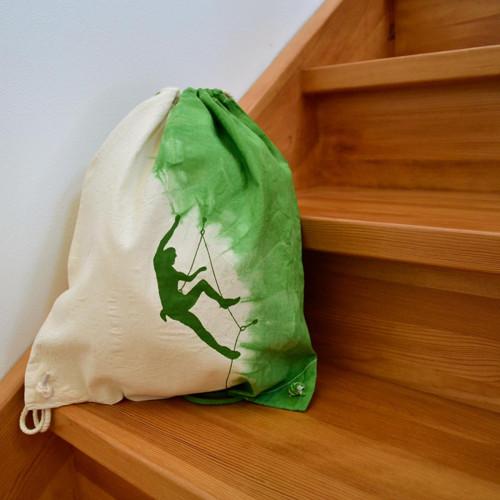 Plátěný batůžek (pytel) s horolezcem - zelený