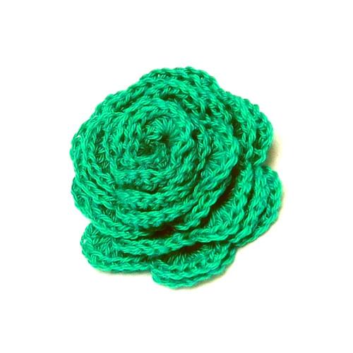 Háčkovaná květina v tyrkysové zelené