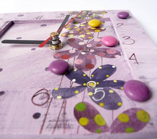 hodiny s malou kukačkou -  fialové s kytkami