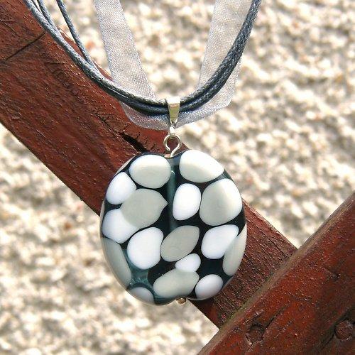 Náhrdelník - mozaiková placka - šedo bílá