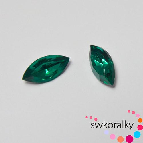 České polobroušené kameny -  naveta (emerald)