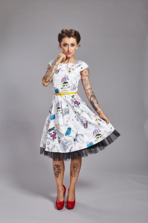 Komiksové retro šaty