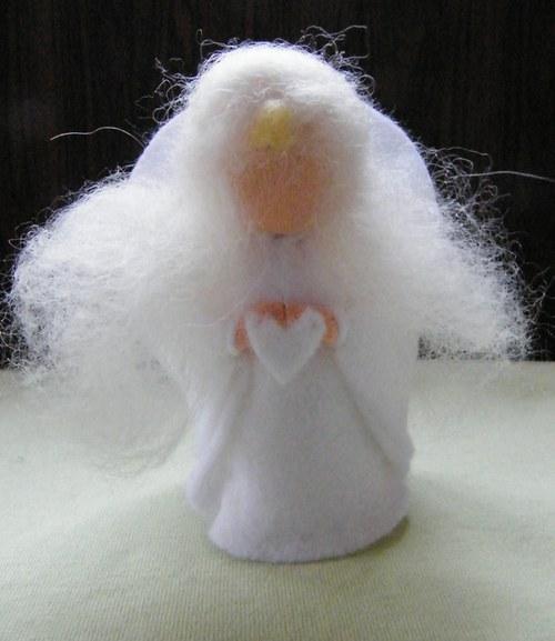 Andělka se srdíčkem