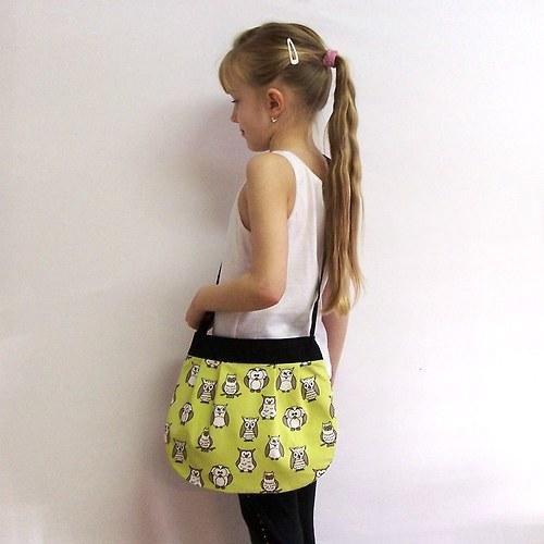 Malá holčičí kabelka 28