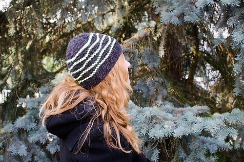 Proužkovaná čapka