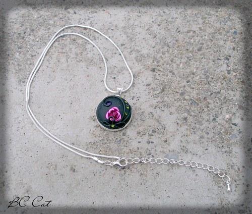 Rozkvetlá růže - náhrdelník