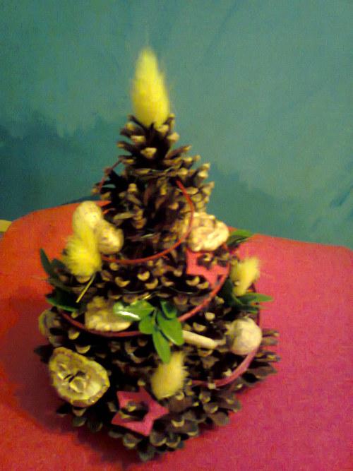 vánoční stromeček šiškový