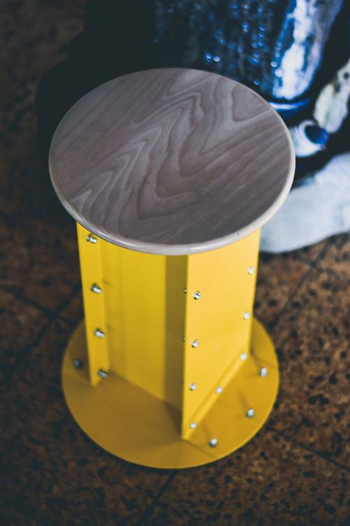 Industriální stolička (žlutá)