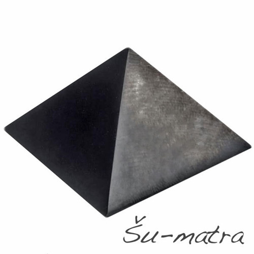 Šungit pyramida, 27 mm