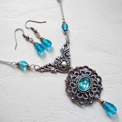 Souprava náhrdelníku a náušnic