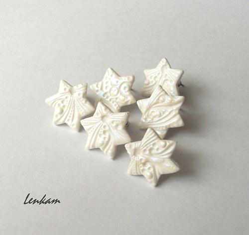 Bílé hvězdičky- namodralý lesk
