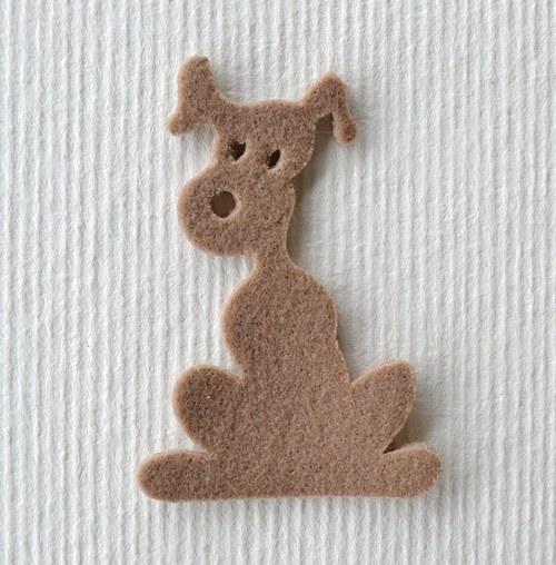 Výsek z plsti -  pes drapový