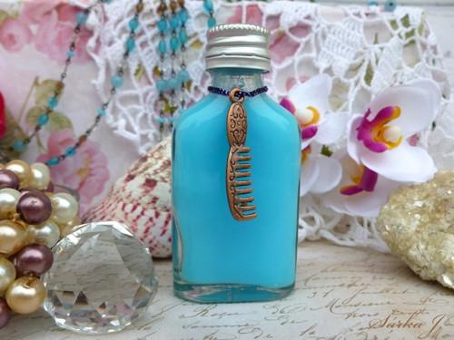 dekorační hřebínek na dárkové balení kosmetiky