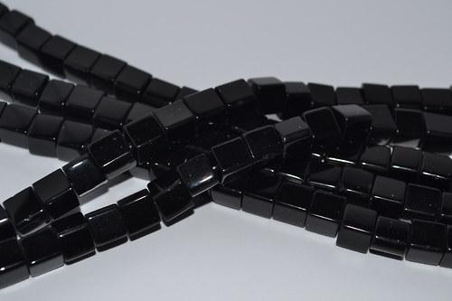kostičky černé skleněné !! 20ks !!