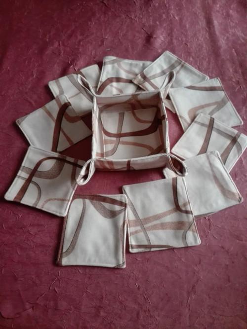 Podkafíčka-podšálky v košíčku