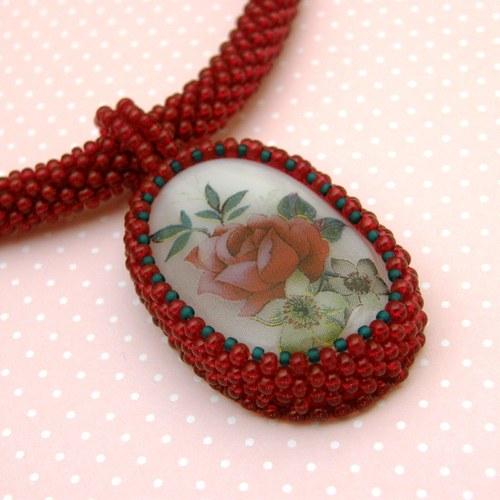 náhrdelník - Šípková Růženka