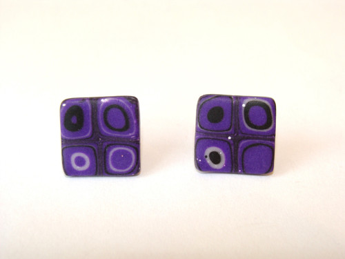 Pecky fialové čtverečky