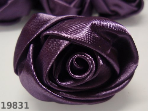 19831-B12 MAXI saténová růže 50mm! fialová