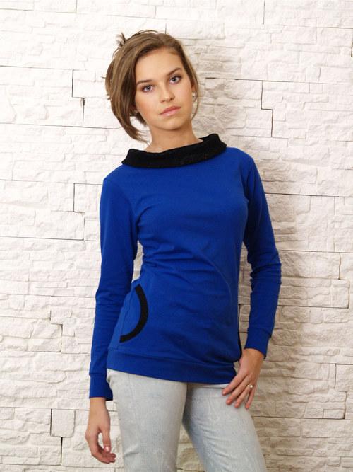 Modročerné tričko se stojáčkem a kapsami z krajky