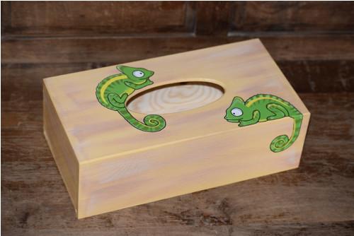 Malovaná krabička na kapesníky - chameleoni