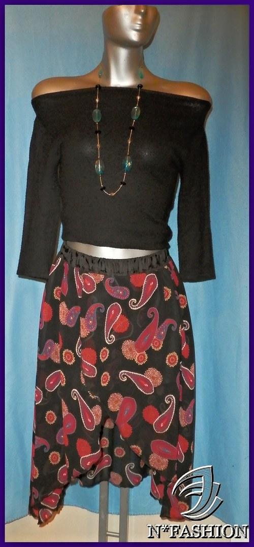 Šifonová kolová sukně s nerovnou délkou.