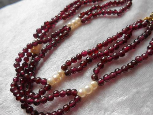 Náhrdelník - Granát s Říční perlou /dlouhý/ (3)