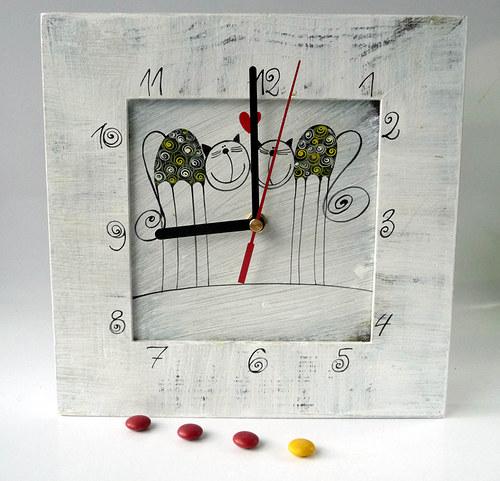 hodiny s velkou kukačkou - bílé s Tulínky