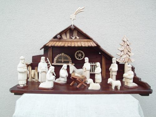 Drevený vyrezávaný betlehem 7