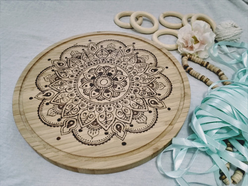 Bambusové Mandala prkénko - pyrografie