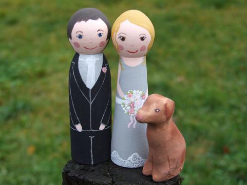 Novomanželé, svatební figurky s pejskem na přání